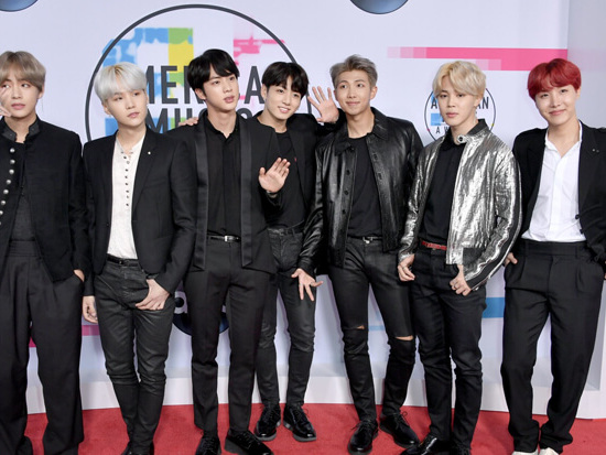 Twitter Reacts To BTS On The 2017 AMAs Red Carpet