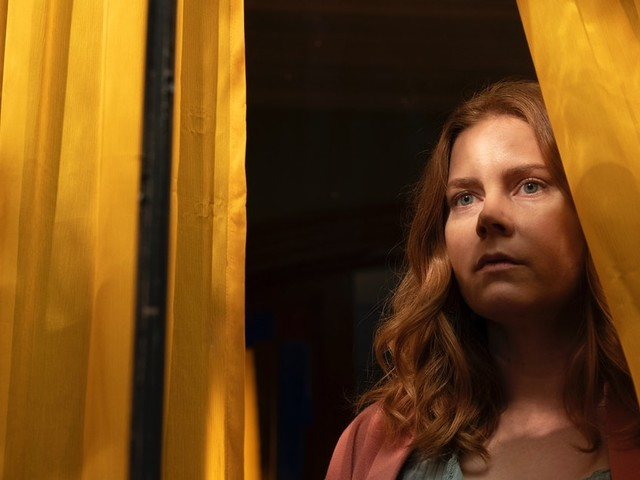 'The Woman In The Window': 12 Differences Between Netflix's Movie & The Book