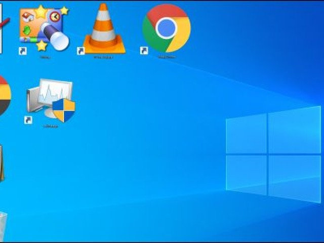 How to Make Windows Desktop Icons Extra Large or Extra Small