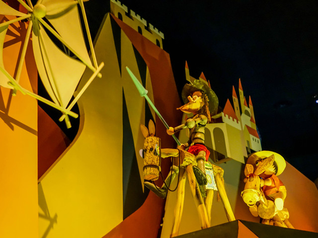 """The Distinctive Design of """"it's a small world"""" – A DIS Attraction Review"""