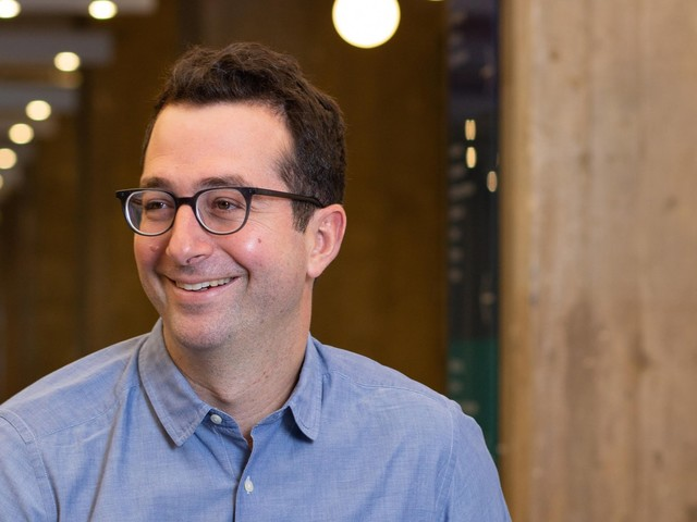 The cofounder of Warby Parker says being raised by a single mom taught him 5 lessons about business — and totally changed his perception of what a workday looks like