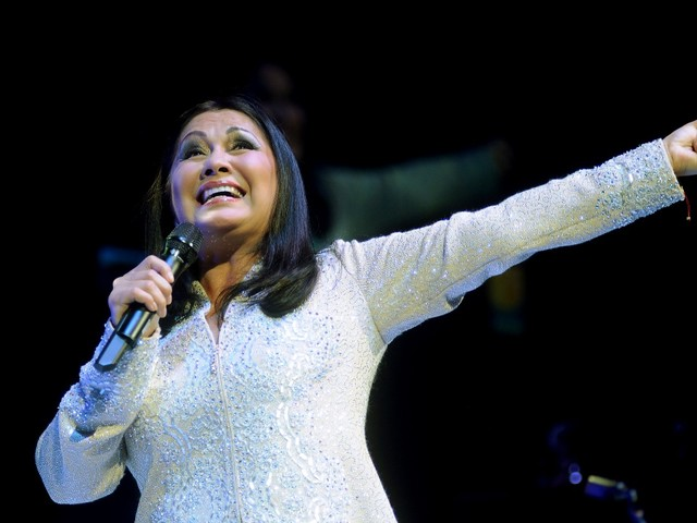 Mexican icon Ana Gabriel sets Sugar Land date