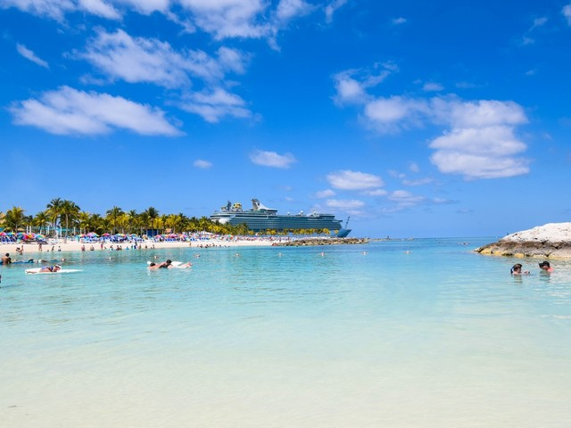 Mariner of the Seas Live Blog - Day 2 - CocoCay