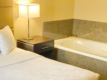Aug 25, South Carolina Hot Tub Suites - Hotels with In-Room Jetted Tubs