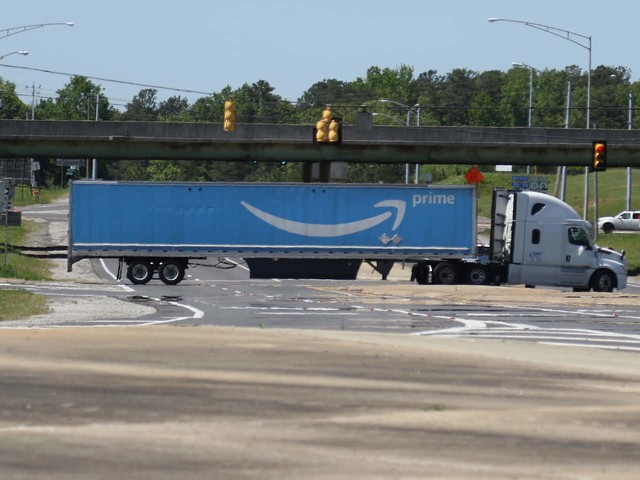Amazon to face first U.S. unionization vote in seven years next month