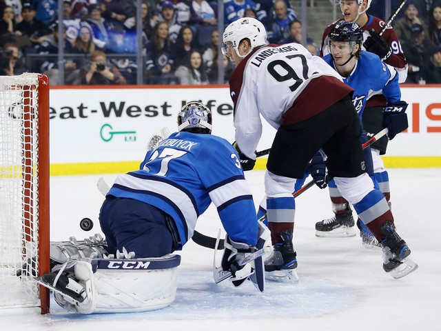 Landeskog helps Avalanche beat Jets 4-1 to end 8-game skid