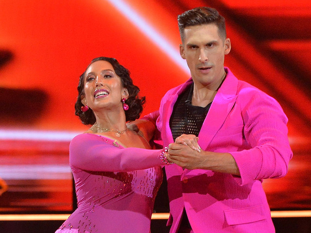 Peloton's Cody Rigsby Kicks Off 'DWTS' Journey on His Bike - Watch Video!
