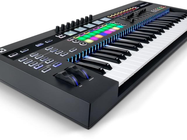 Novation's SL MkIII has it all: sequencer, CV, MIDI, software control