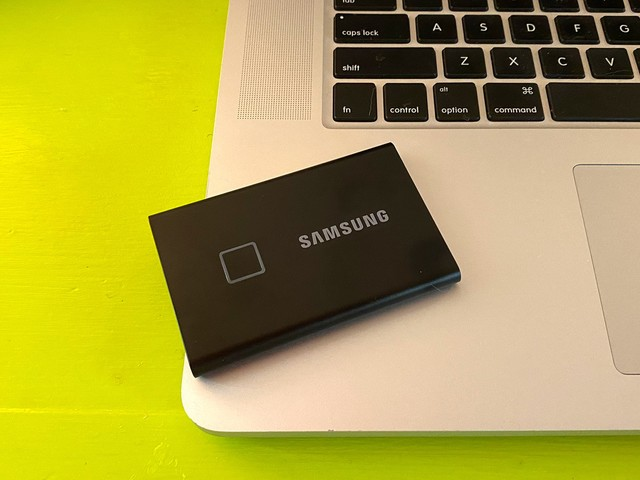 Review: Samsung's Portable SSD T7 Touch is Compact, Super Speedy and Keeps Your Files Safe With Fingerprint Sensor