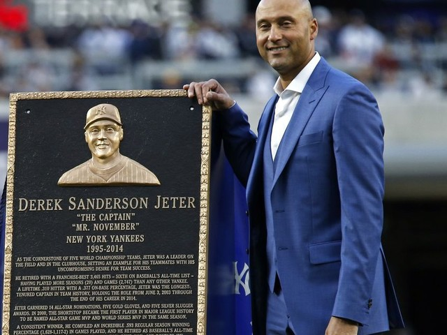 Report: Derek Jeter's group lacks money to purchase Miami Marlins