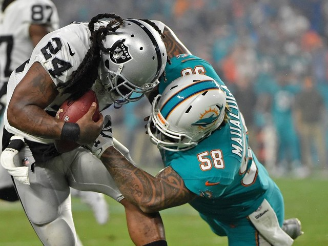 Dolphins waive LB Rey Maualuga after late night arrest