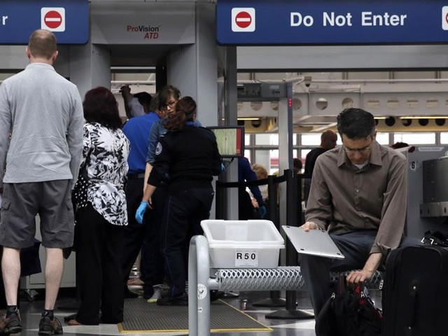 Worldwide ban on laptops & tablets in airline hand baggage now being 'intensely' discussed