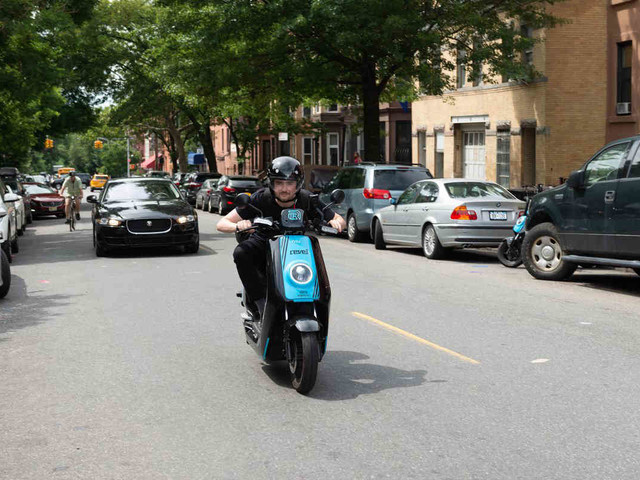 Brooklyn Paper hits the streets on new scooter rentals