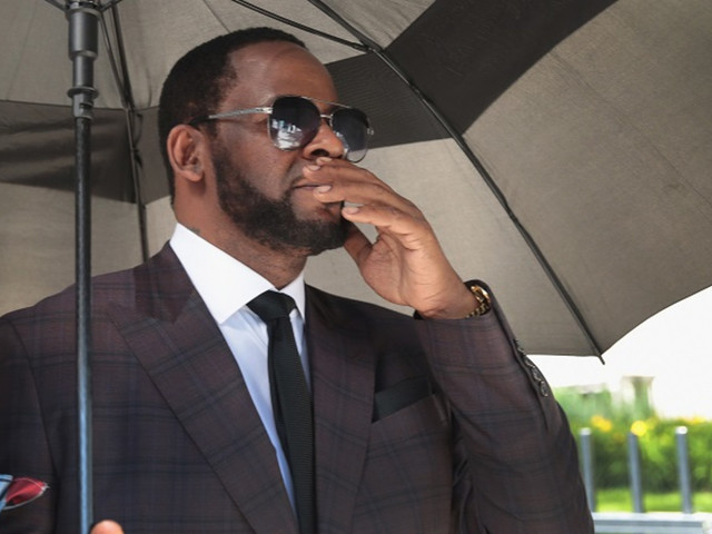 R. Kelly Reportedly Seeking Help of Michael Jackson's Attorney