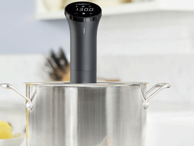 Cyber Monday bundle gets you an Anova sous vide cooker and a vacuum sealer for $159