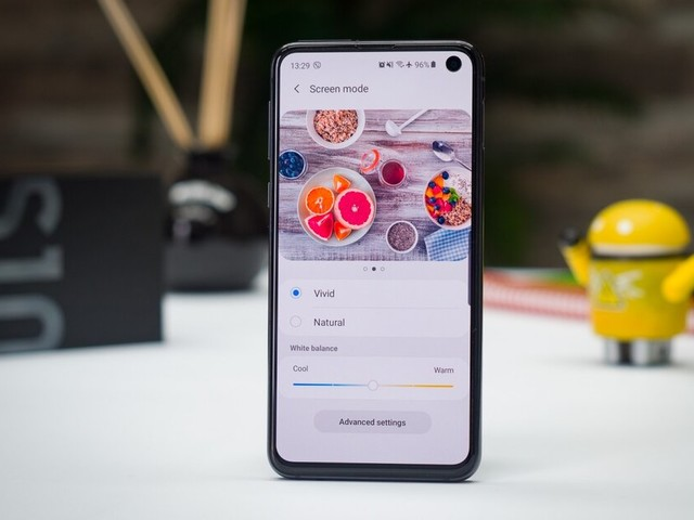 Samsung's excellent Galaxy S10e is on sale at a new all-time low price with 90-day warranty