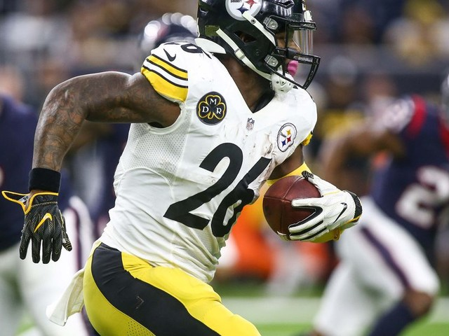 Le'Veon Bell is already threatening to retire if the Steelers give him another franchise tag