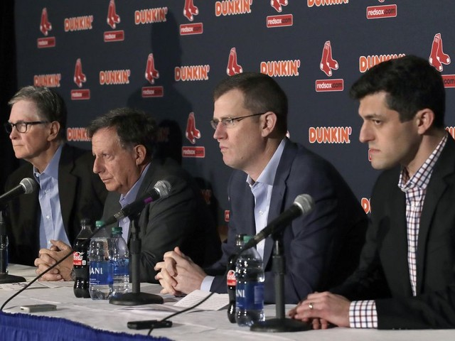 Bloom: Red Sox won't rush to have manager by spring training