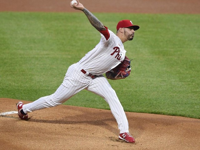 Wainwright comes off IL, helps Cards beat Mets 6-5
