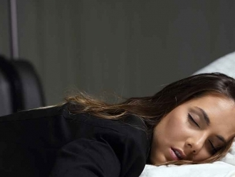 Minimize Jet Lag with These Tips, Tricks, and Body Hacks