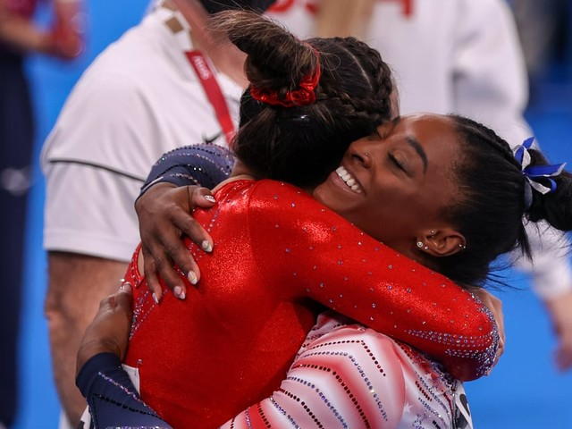 We Have Tears in Our Eyes After Watching Simone Biles Surprise Sunisa Lee's Dad With This Special Gift