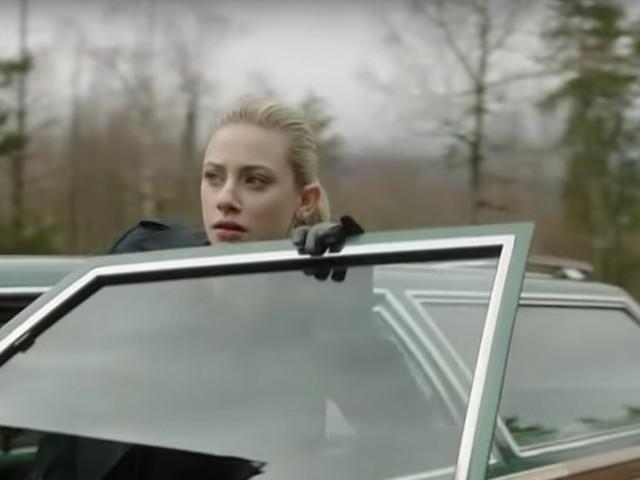 The 'Riverdale' Season 3 Episode 20 Promo Shows Betty Pointing A Gun At The Gargoyle King