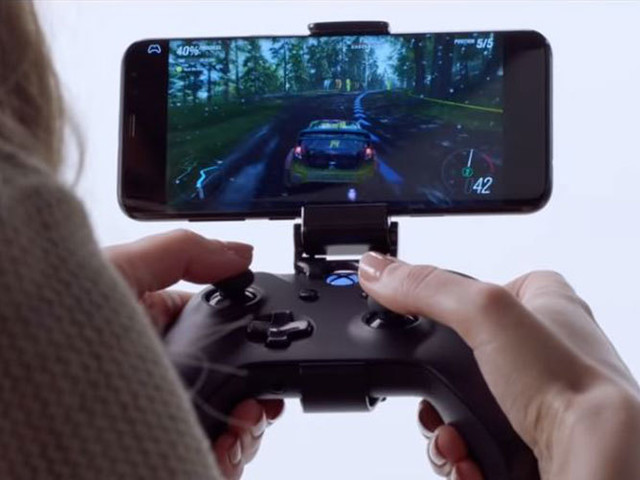 Microsoft xCloud game service to offer free streaming to phones