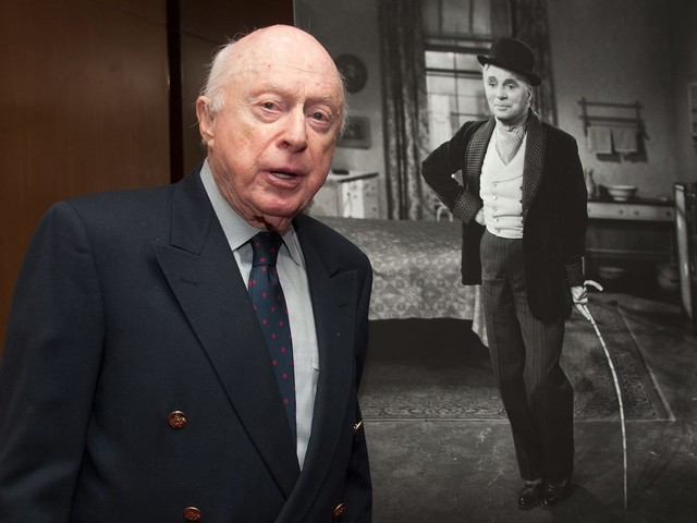Norman Lloyd, character actor who dangled from Lady Liberty in 'Saboteur,' dies at 106