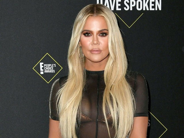 Khloe Kardashian Apologizes to Fans After Not Realizing She'd Won at People's Choice Awards