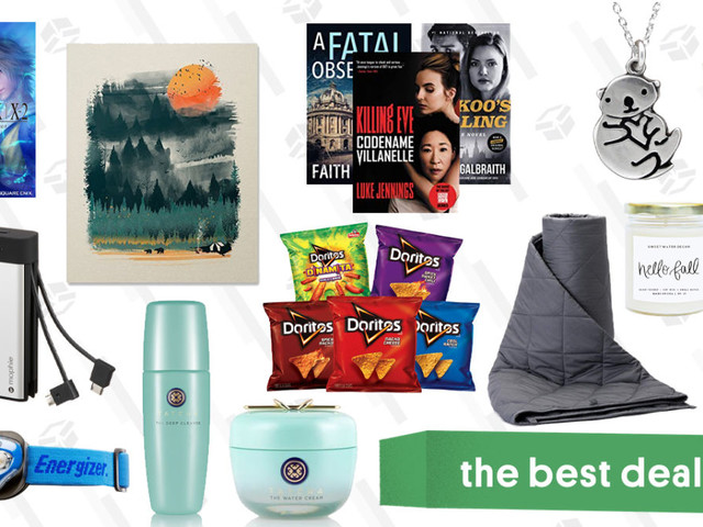 Sunday's Best Deals: mophie Power Bank, Tatcha Sale, Weighted Blankets, and More