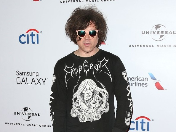 Ryan Adams Apologizes For Comparing Mandy Moore To Soggy Cardboard