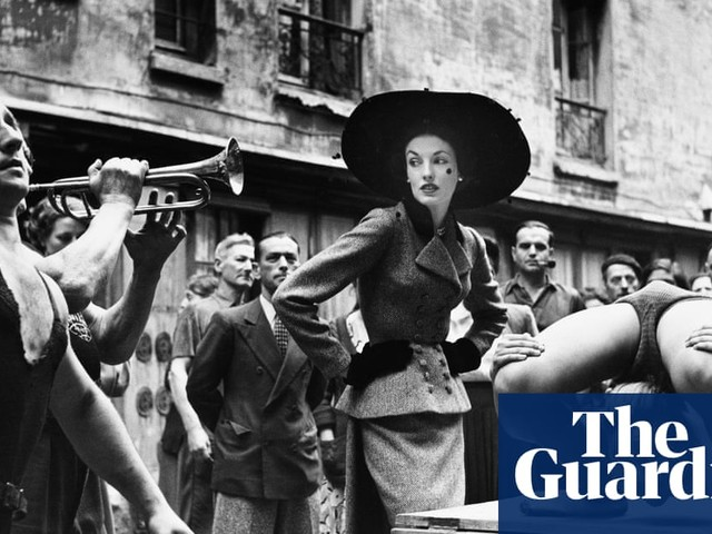 Balenciaga: 'the master' of couture's sculptural garments – in pictures