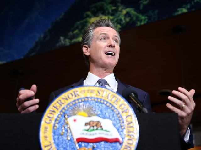 California governor vetoes bill to overhaul the Cal Grant