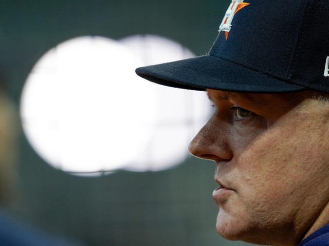 Astros manager AJ Hinch, GM Jeff Luhnow suspended one year for cheating