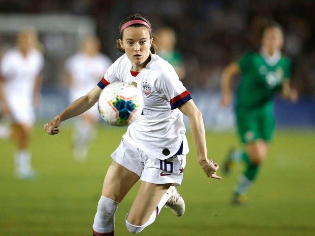 Pay women's soccer players more than the men, NWSL team owner says