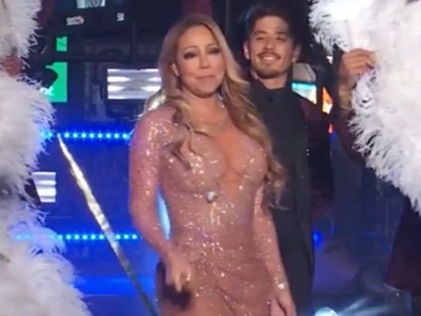 VIDEO: Mariah Carey's New Year's Eve 2017 Performance