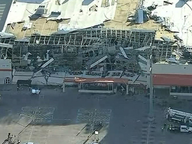 Tornado touches down in Dallas, leveling buildings and knocking out power