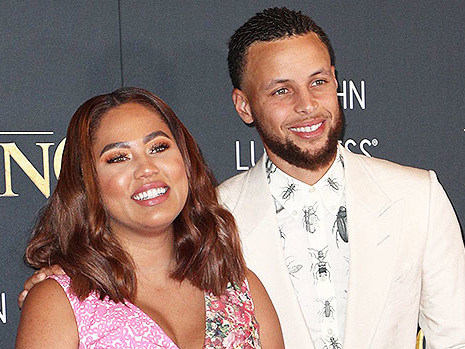 Steph & Ayesha Curry Cozy Up With Their 3 Children In Adorable Matching Pajamas