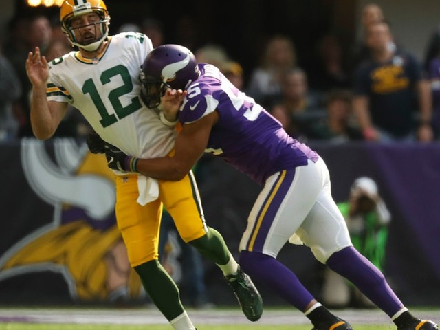 Vikings LB Anthony Barr fires back at Packers' Aaron Rodgers about Oct. 15 hit