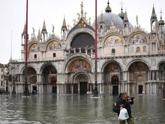 7 Major Venice Tourist Sites Damaged By Flooding