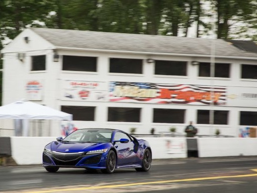 Strip Tease: Watch the 2017 Acura NSX Turn 11s at the Drag Strip [Video]
