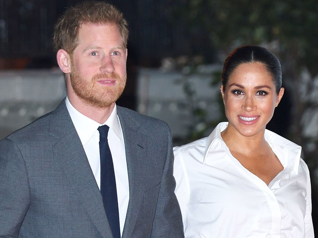 Meghan Markle Channels Carolyn Bessette In Givenchy