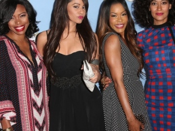 It's #NationalGirlfriendsDay, So We're Demanding A Reboot (Again) Of Our Fave Show, 'Girlfriends'! Here's Who Should Be Cast.