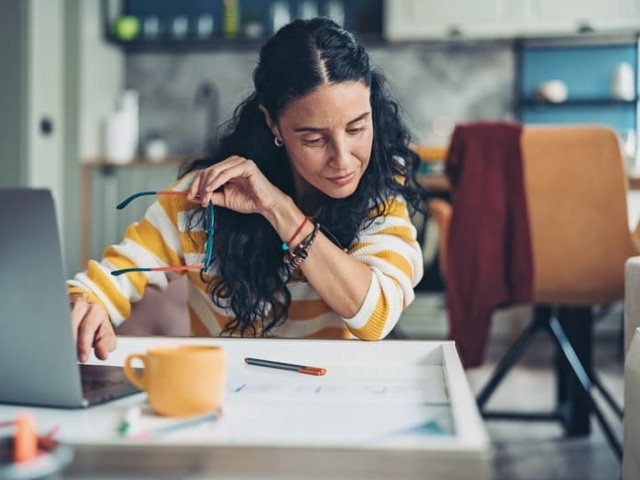 67% of Women are Investing Beyond Retirement Accounts