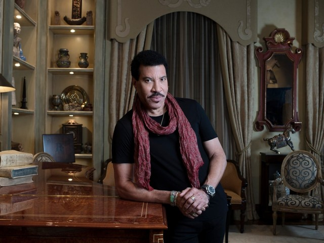Lionel Richie can't slow down, and we're all the richer for it