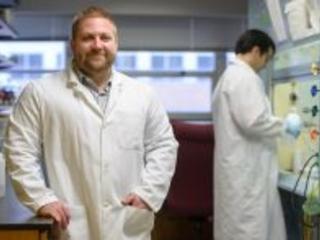 Dr. Rob Huigens secures $1.7 million NIH grant to support drug discovery program