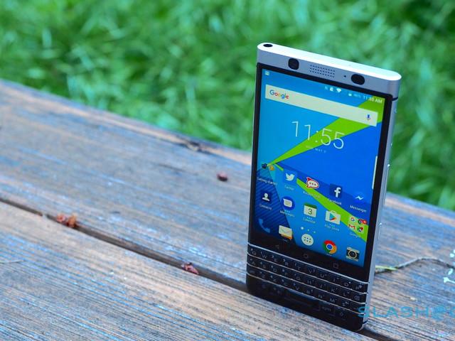 BlackBerry KEYone gets a big Christmas discount