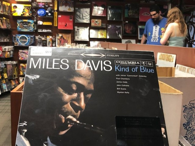 Jimmy Cobb, 'Kind of Blue' drummer for Miles Davis, dies