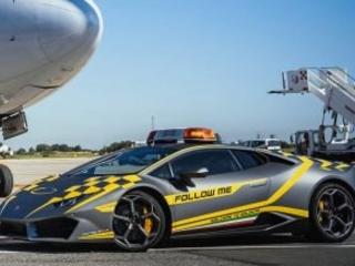 Top Gear Hoons Around In A Porsche Panamera And Ferrari GTC4Lusso