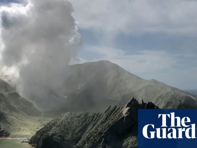 White Island eruption: 'too unsafe' to retrieve bodies as volcanic activity rises